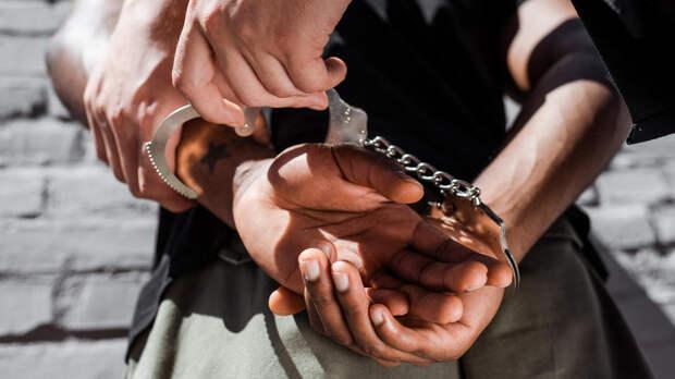 В Канаде темнокожего судью заковали в наручники, спутав с преступником