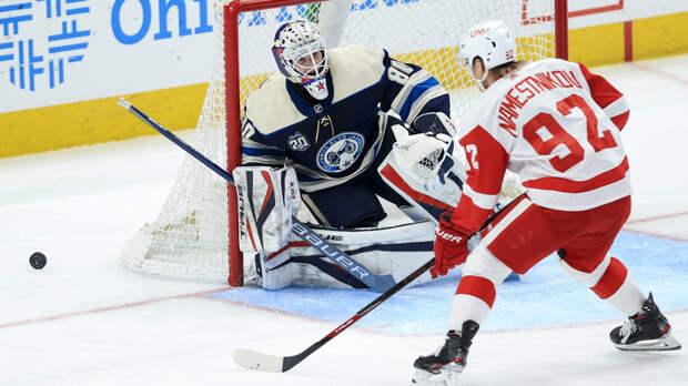 Дубль Наместникова помог «Детройту» победить «Коламбус» в матче НХЛ