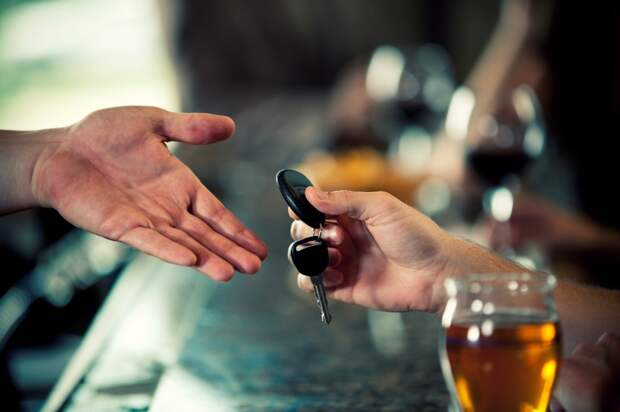 """Чем отличаются услуги службы """"трезвый водитель"""" и такси"""