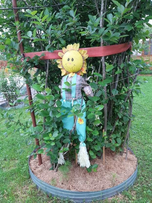 Дачные фигурки - украшение любого сада. Посмотрим, что у меня