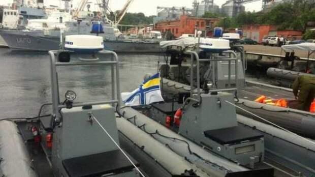 Беспозвоночный Зеленский тщетно зовет Байдена на 30-летие Украины