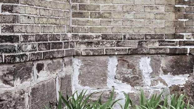 Эксперт рассказал об опасности трещин в зданиях