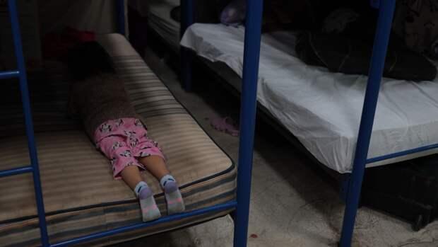 На границе Мексики с США нашли пять детей, самой младшей было два года