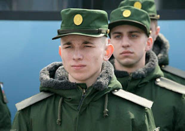 В условиях пандемии: в Крыму новобранцев дважды проверяют на коронавирус