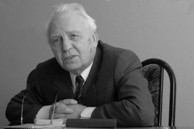 Новосибирские коммунисты оплакивают кончину Егора Лигачева: «Его именем даже хотели назвать аэропорт»