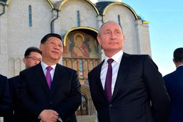 Форд съехал из России и сюда заехал Мерседес, Путин поучаствовал в его открытии, но проигнорировал Great Wall