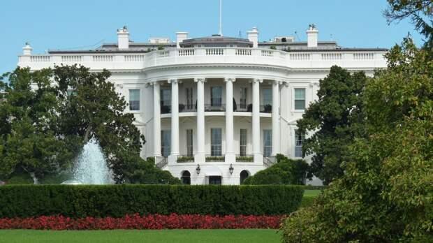 Американские СМИ сообщили, что Вашингтон вышлет десять представителей РФ