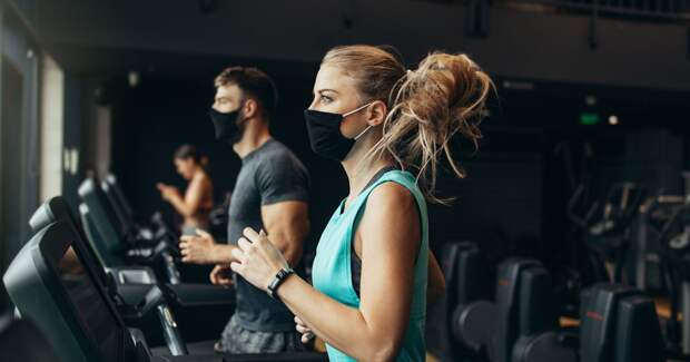 Доходы фитнес-клубов упали из-за пандемии и оттока тренеров