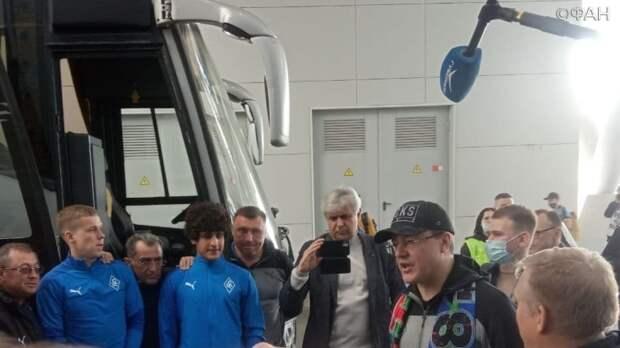Самарский губернатор лично организовал авиачартер для болельщиков «Крыльев» в Чечню