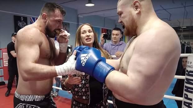 Дацик вышел драться со звездой боев на голых кулаках Наврузовым. Слезы жены Вячеслава спасли его от нокаута
