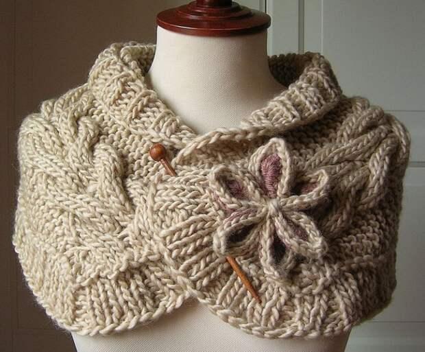 Очень красивый вязаный шарф-воротник