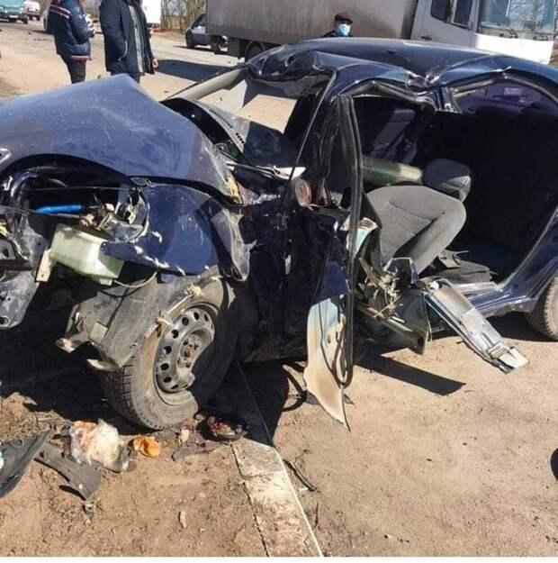 В Крыму столкнулись две легковушки: погиб водитель