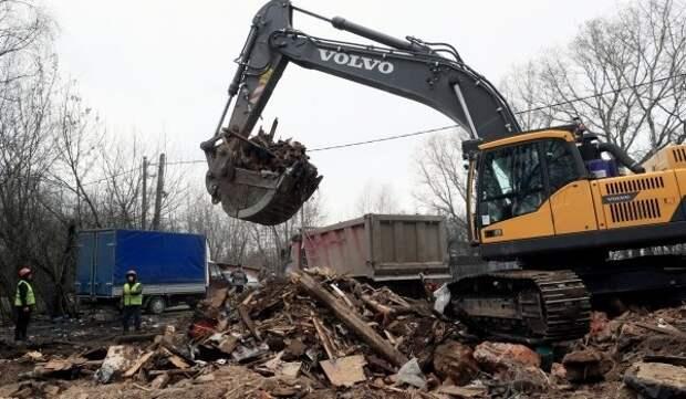 В Дмитровском районе демонтированы незаконные металлические ангары