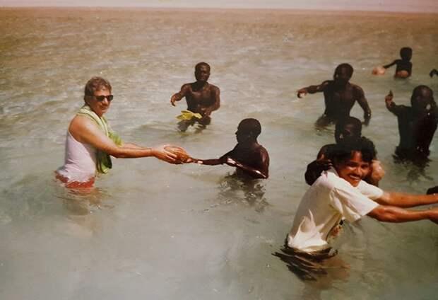 Как женщина-антрополог смогла наладить контакт с дикими племенами