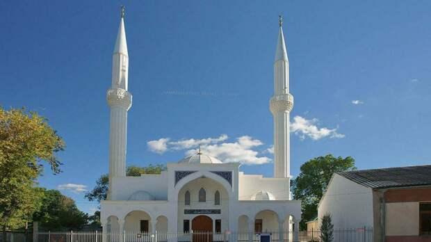 Сердечнопоздравляемвас с одним из самых главных мусульманских праздников – Ураза-байрам!