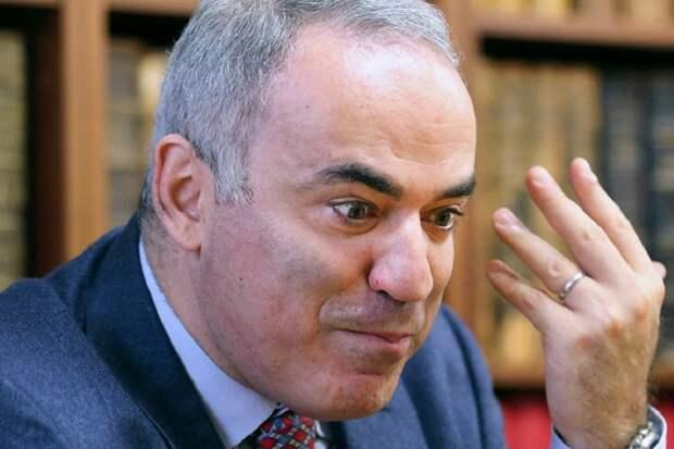 Каспаров показал, что за демократию несут России либероиды