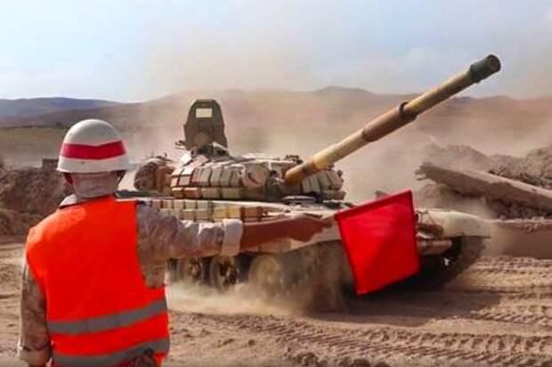 На фото: во время переброски танкистов российской 201-й военной базы на приграничный с Афганистаном полигон Харб-Майдон. Снимок с видео. 20 июля 2021 года
