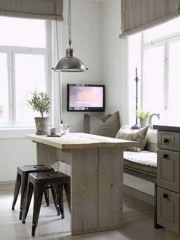 Скамья или кухонный уголок — это не только место для сидения, но и для хранения. /Фото: i.pinimg.com