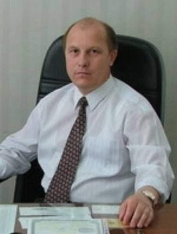 Заболевший коронавирусом директор школы в Казани умер в 56 лет