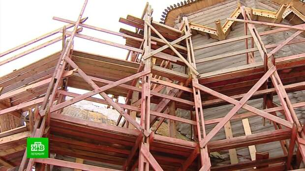 Поморские плотники возвращают былое великолепие Никольскому храму в Согиницах