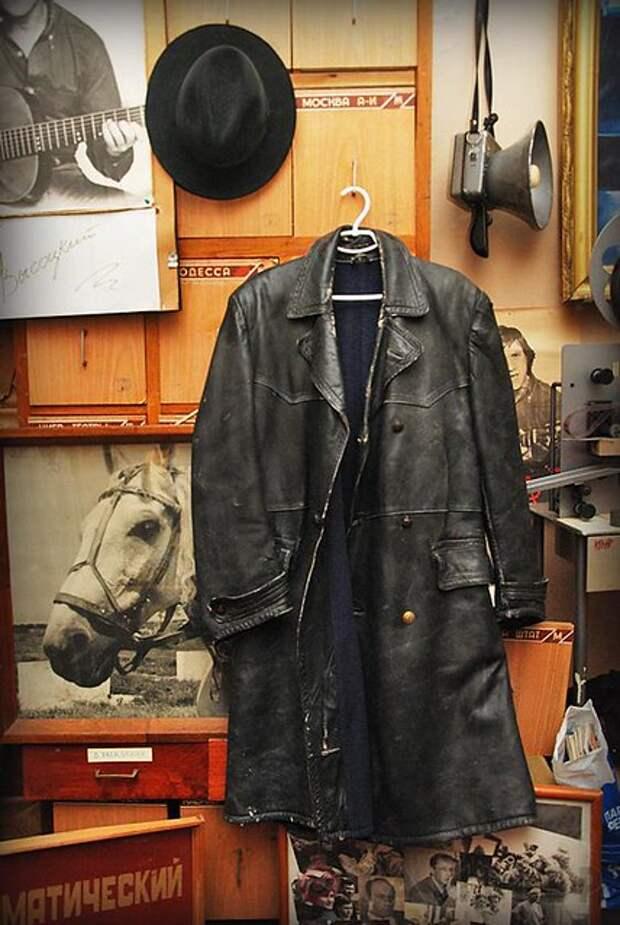 Как одевали Глеба Жеглова