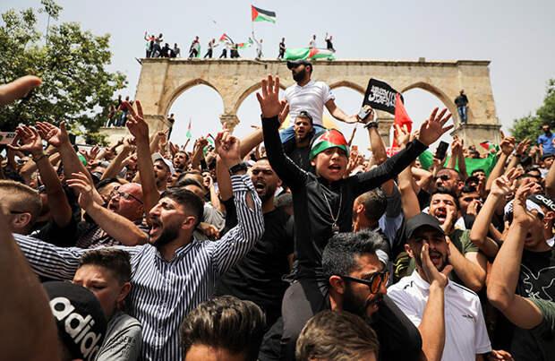 Израиль и Палестина прекратили обстрелы. Но уличные стычки продолжаются