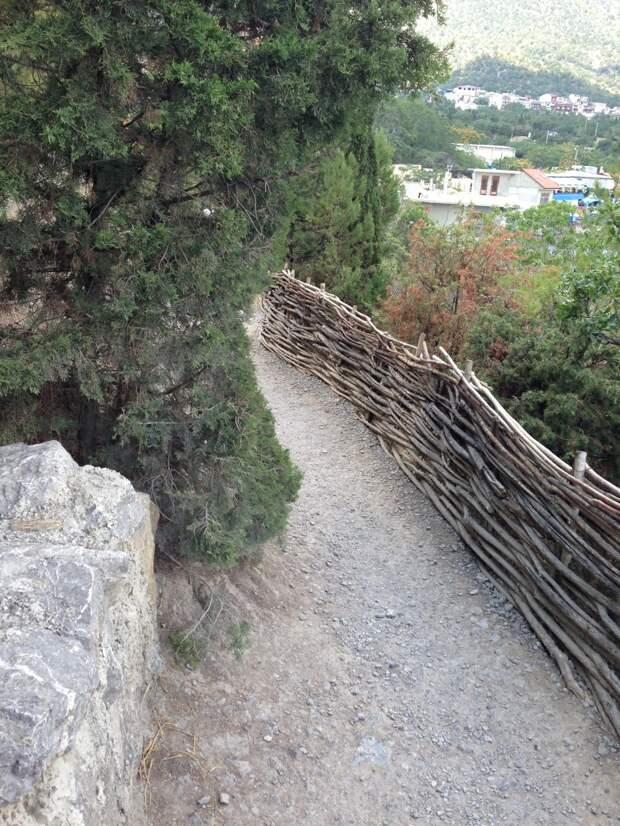 Отдых в Крыму. Новый Свет. Пешеходная прогулка.