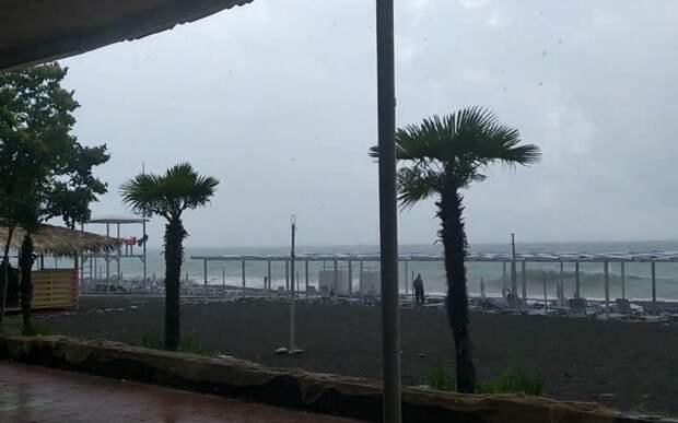 На Кубани штормовое предупреждение: ожидаются смерчи и подъем уровня рек