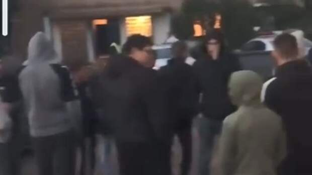 Воренбургском селе Краснохолм молодежь дерзко игнорирует требования полиции