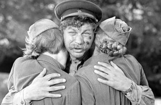 """""""Русские не умеют снимать кино!"""": Иностранцы посмотрели """"А зори здесь тихие"""" и... извинились"""