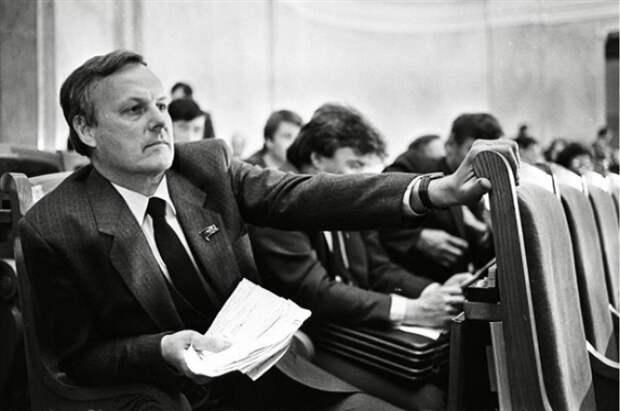Хождение во власть. Как складывалась политическая карьера Анатолия Собчака