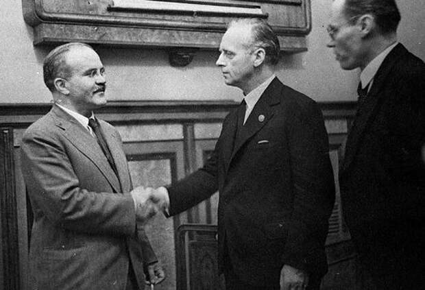 Какие нeписанные правила соблюдали советские дипломаты во время переговоров