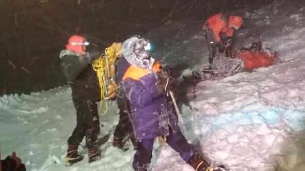 Тела трех погибших альпинистов остаются на склоне Эльбруса