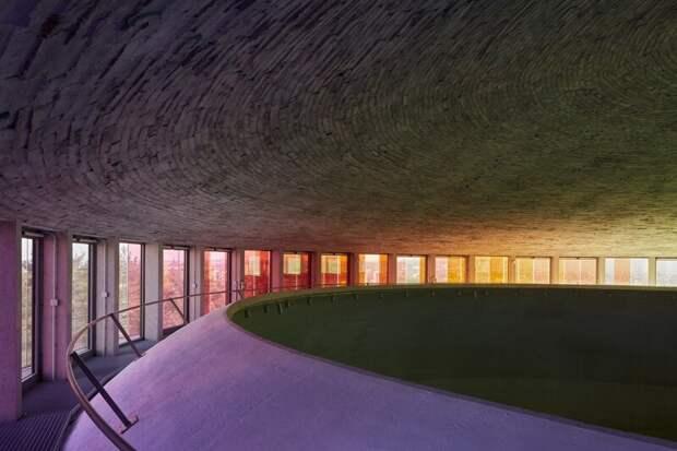 Произведение архитектурного искусства: фантастическая современная церковь в Чехии