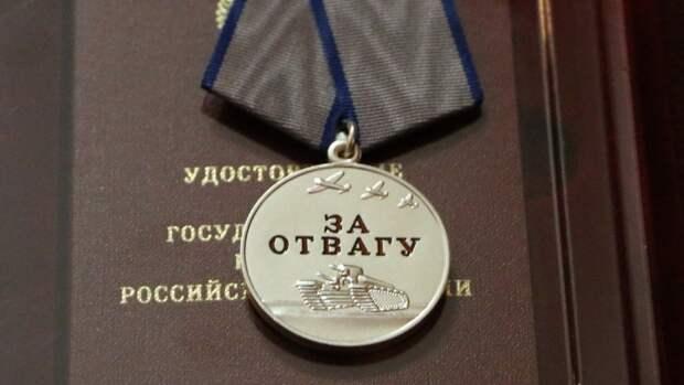 Артиллеристы ВС РФ поздравили 96-летнего ветерана ВОВ в Самарской области
