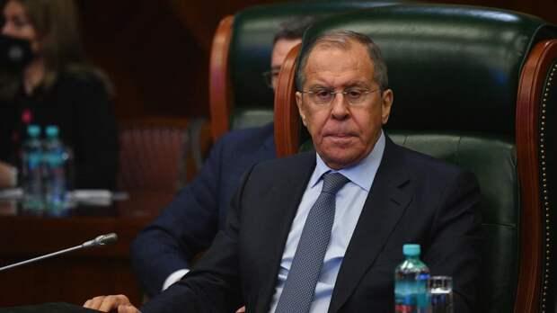 Лавров: РФ призывает страны перестать влезать во внутренние дела