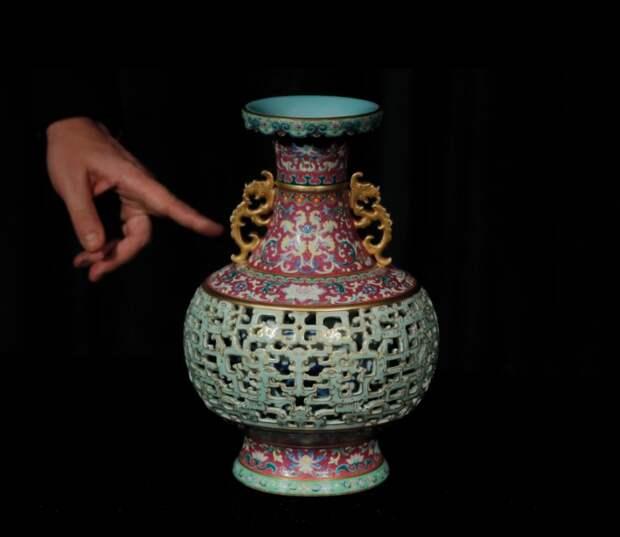 Старую вазу сбабушкиного шкафа оценили в7 миллионов фунтов