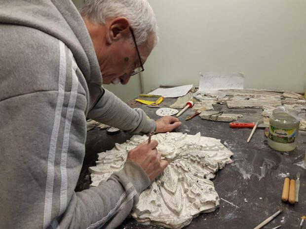 Скульптуры из цинкового сплава вернут на фасад бывшей аптеки Феррейна