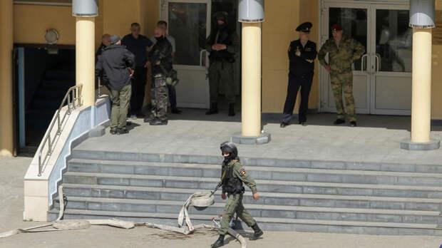 Сказали молчать, чтобы не услышал: школьник описал стрельбу в Казани