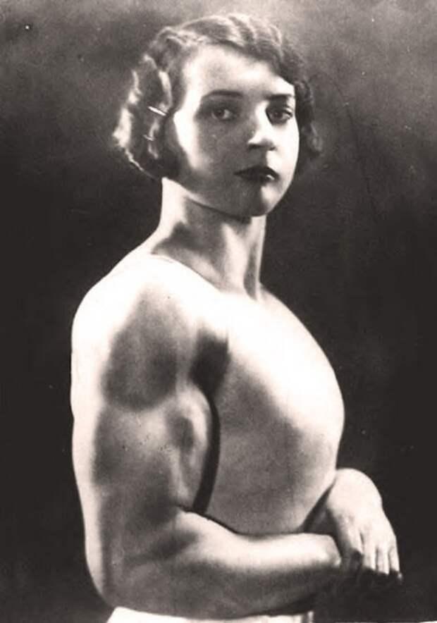 Первые женщины-бодибилдерши – фото начала XX века
