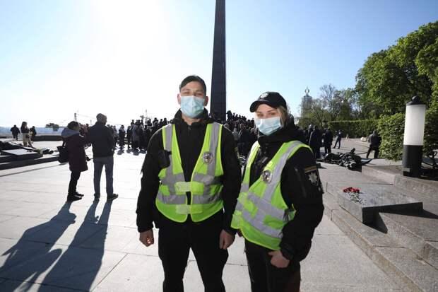 «Местных неонацистов полиция почти не трогала»: как власти и жители Украины отметили День Победы