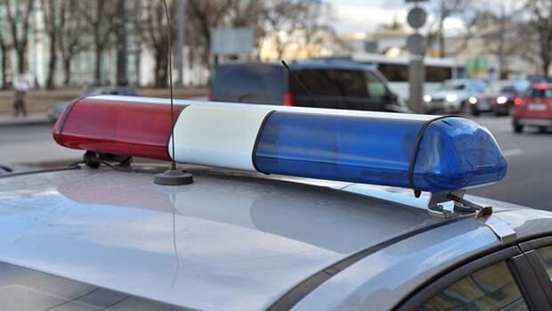 Петербуржец серьезно пострадал в ДТП с перевернутой машиной на Невском проспекте