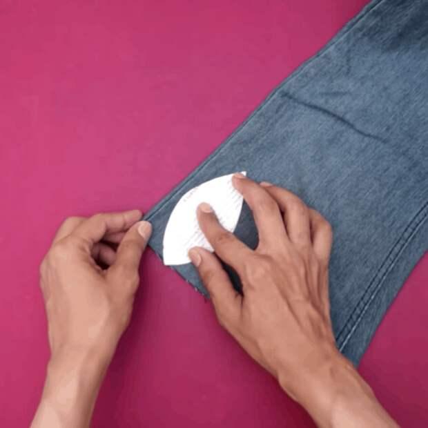 Старые джинсы, остатки пряжи и немного креатива. Неожиданно интересный и практичный результат