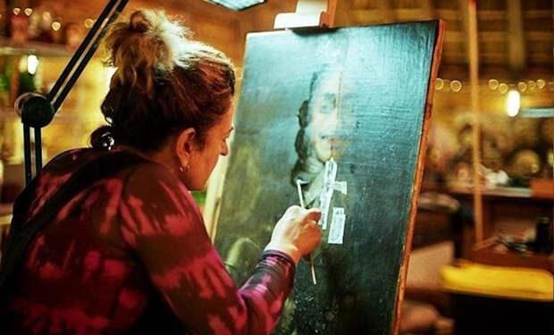 Сын убедил родителей отнести портрет из кладовки на реставрацию. Картина оказалась раритетом 17 века