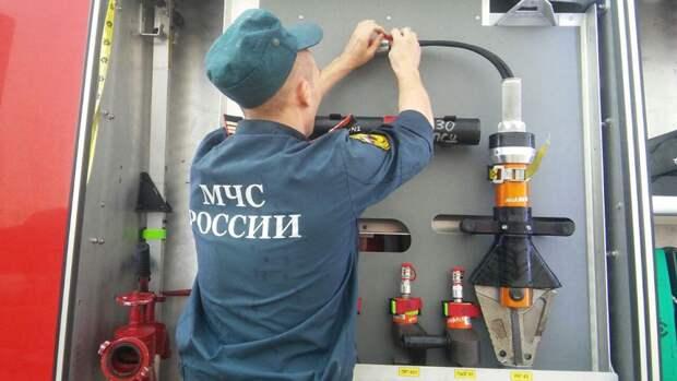 Кровля жилого дома вспыхнула на площади 1200 «квадратов» в Крыму