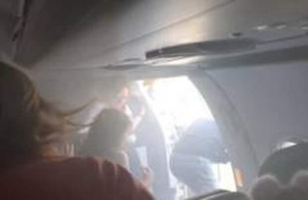 Самолет British Airways экстренно приземлился в Валенсии