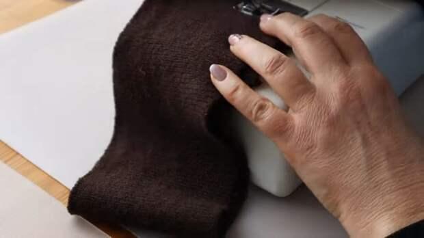 Женственная тёплая вещица на осень, сшитая из остатков красивой ткани