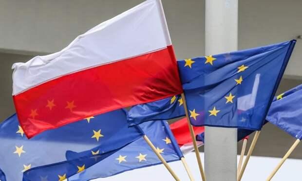 Польша начала с ностальгией вспоминать «советскую оккупацию»