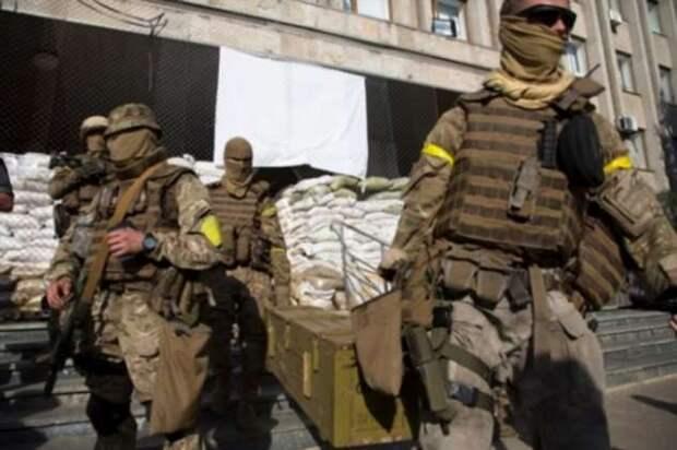 Зачем бойцы спецназа носят на руке желтую отражающую повязку