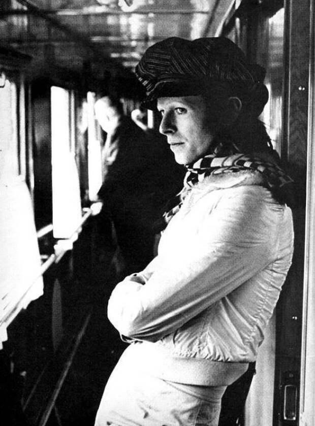 Воспоминания Дэвид Боуи про СССР, кефир и поезда